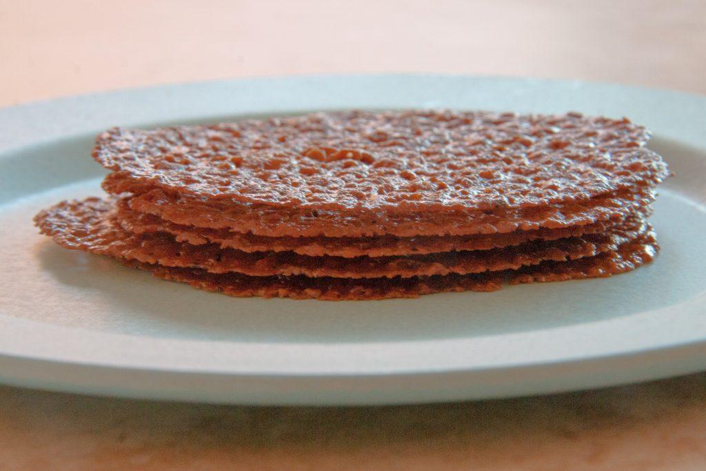 acorn lace cookie