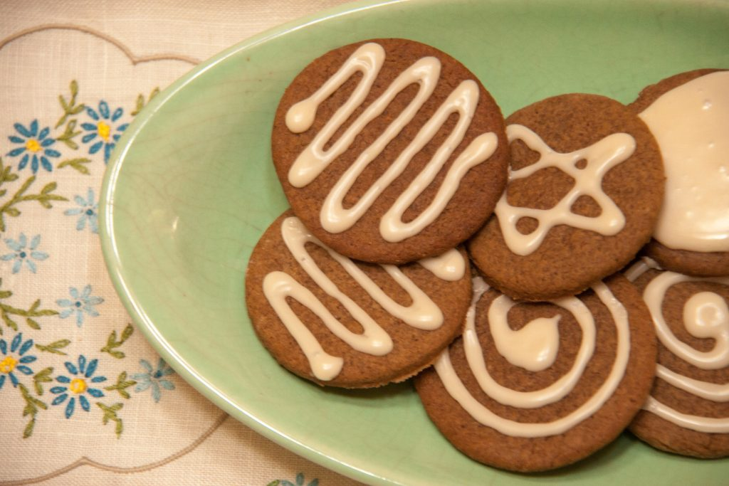 ginger snaps with juniper berry icing