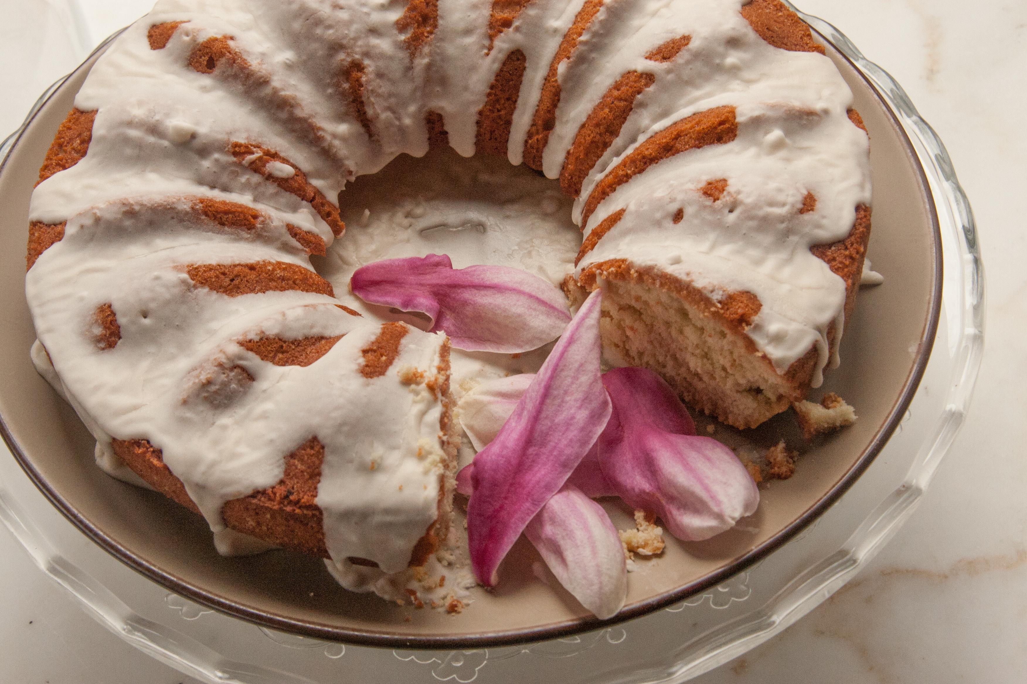 Magnolia Blossom Cream Cake tastes like Spring! (a recipe)